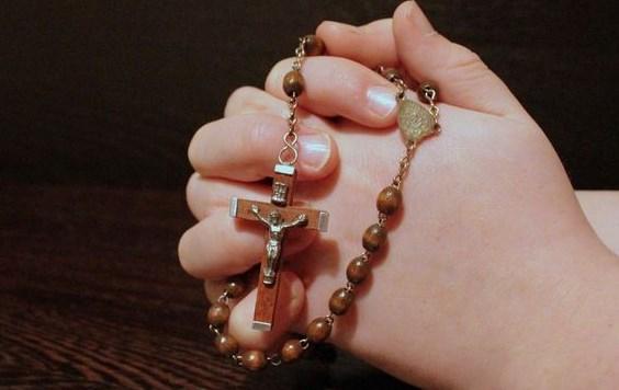 Contoh Doa Pribadi yang Benar dan Katolik